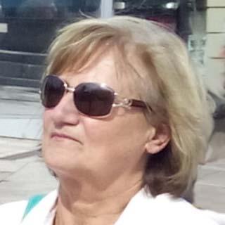 Dr. Koósz Margit